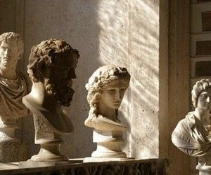 gorgeous light and shadow on antique statues. Brown Aesthetic, Autumn Aesthetic Tumblr, Athena Aesthetic, Aesthetic Statue, Photography Classes, Museum Photography, Photography School, Photography Jobs, London Photography