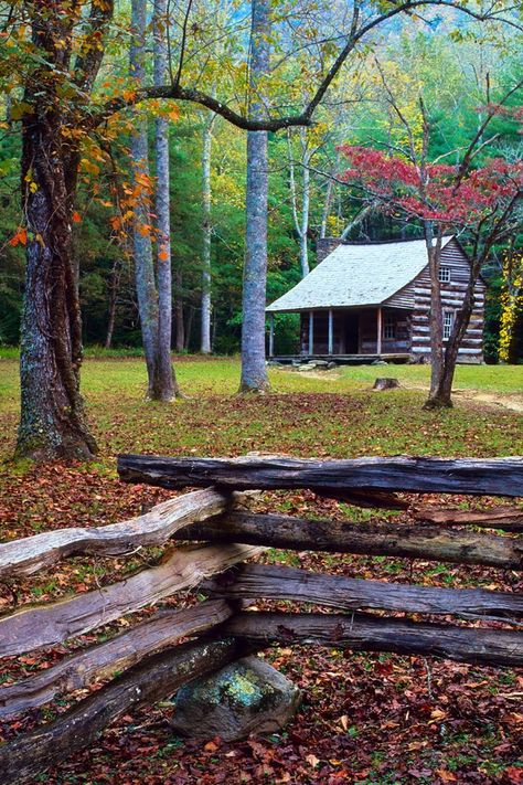 Carter Shields Cabin, Cades Cove, Great Smoky Mountains National Park, Tennessee © Doug Hickok All Rights Reserved . Old Cabins, Cabins And Cottages, Cabins In The Woods, Rustic Cabins, Great Smoky Mountains, Smoky Mountain National Park, Cades Cove, Best Western, Beautiful Places