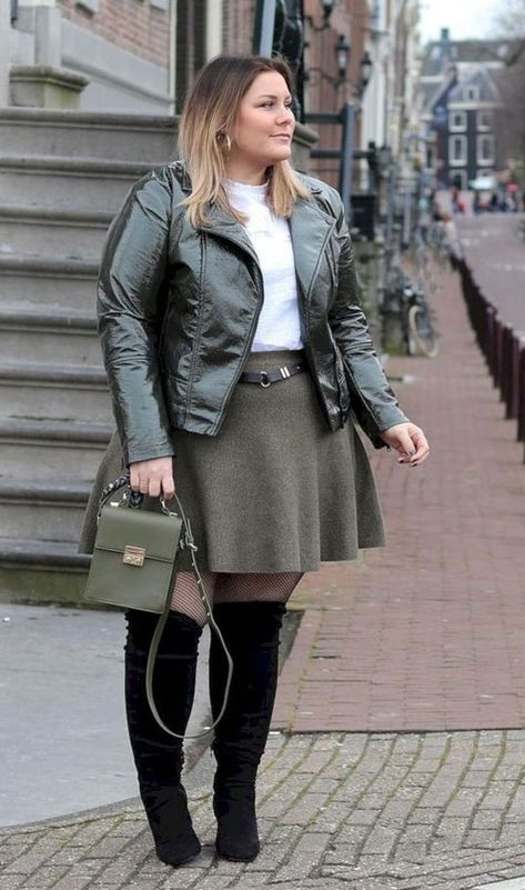 85 Stylish Plus Size Fashion Outfits Ideas For Women That You Can Try - ClothinLine
