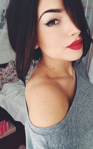 Red Lips and Cat eye liner