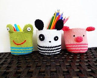 Free crochet Pattern: Amigurumi baskets - Panda, Piggy and Frog