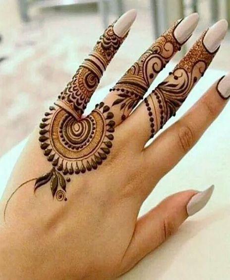 easy back hand mehndi image