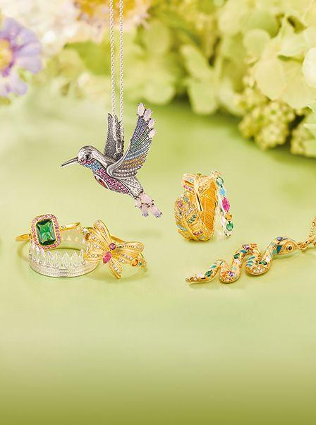 Die Neue Kollektion Von Thomas Sabo Ist Lebendig Personlich Magisch Entdecken Sie Juwelenfarben Glucksbringer Mit Rit Jewelry Thomas Sabo Jewelry Watches