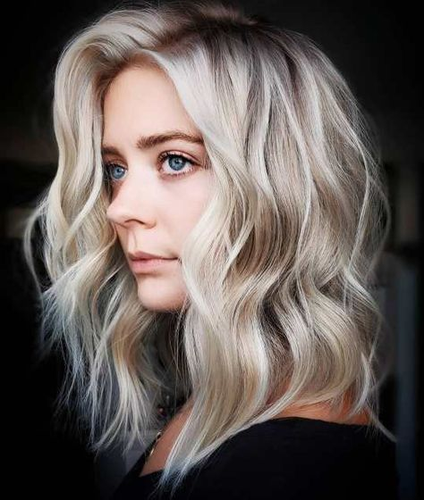 Tousled Wavy Middle-Length Haircut