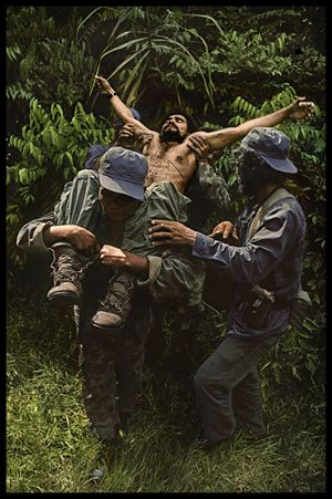 James Nachtwey Nicaragua, 1984 http://now.dartmouth.edu/2012/02/photographer-james-nachtwey-70-awarded-the-dresden-international-peace-prize/