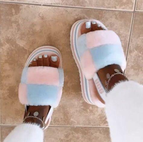 Cute Sandals, Shoes Sandals, Sneakers Fashion, Fashion Shoes, Fluffy Shoes, Cute Sneakers, Ugg Slippers, Hype Shoes, Fresh Shoes