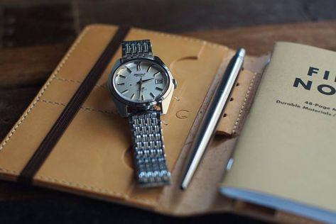 いいね!47件、コメント3件 ― G.さん(@greenstraps)のInstagramアカウント: 「#realleather#handmade#photography#handmadecreations#vintage#instacamera##vachetta#oldschool#edc#creditcardholder#japan#parkerpen#jotter#70s#notebook#pen#minimal#kingseiko#leathercase#pensil#5625_7000#fieldnotes#moleskine#notebookcover#takemewithyou#seiko…」