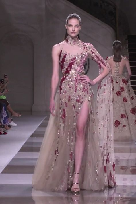 Ziad Nakad Look 6. Fall Winter 2019/2020 Haute Couture Collection