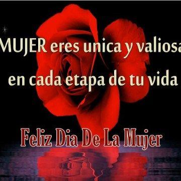 Imagen Con Rosas Rojas Y Poemas En El Dia De La Mujer Dia De La Mujer Feliz Día De La Mujer Feliz Día Internacional De La Mujer