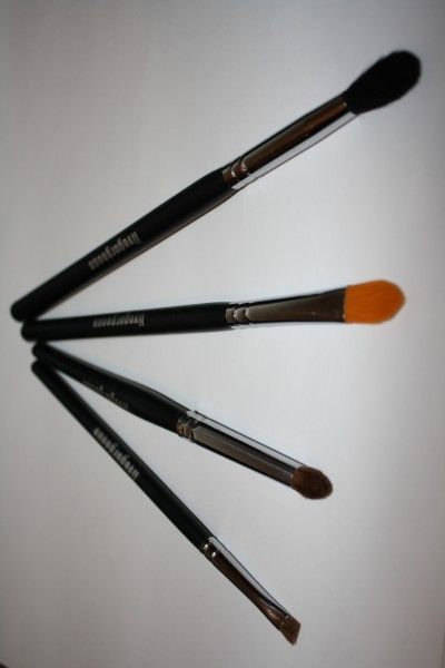Help choosing the right makeup brushes!