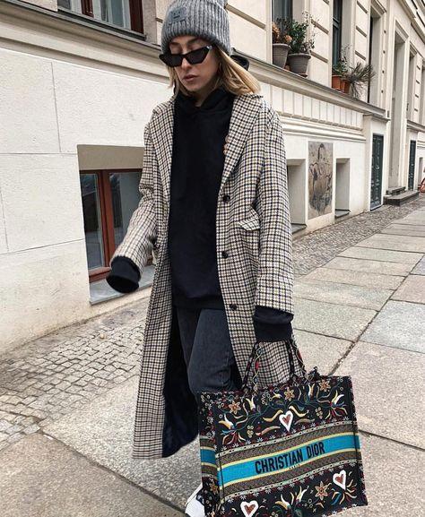 Women's Fashion Tips @sonialyson #style #daily #ootd #lookoftheday #inspo #insta #igdaily #instafashion #fashiongram #fashionista #fashionstyle #fashionblogger #fashiondiaries #fashion #beauty #beautyblogger #blogger #fashionaddict #beautyaddict #makeupaddict #goals #outfit #winterfashion #follow #followback #fashionbum #fashionambitions.Women's Fashion Tips  @sonialyson #style #daily #ootd #lookoftheday #inspo #insta