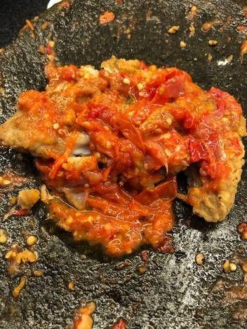 Resep Ayam Geprek Sambal Tomat Oleh Melphie Teja Resep Resep Ayam Makanan Dan Minuman Makanan Ayam