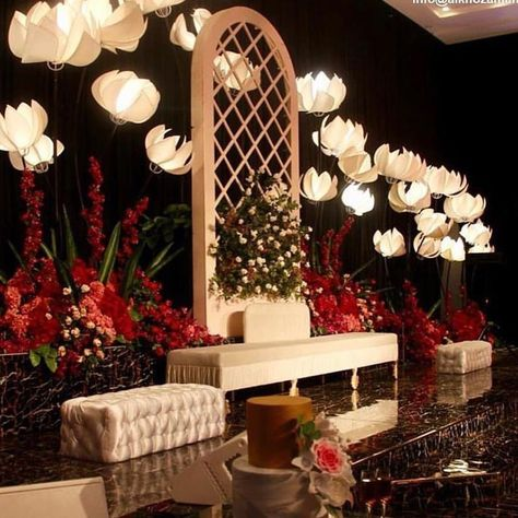 Make it simple , but significant  For information 98941189  #kuwaitcity #kuwaitwomen #kuwait_city#render #vray #wedding3d #3d #sketch #decor #instagram kosha #kuwaityat #kuwaity #3dmodeling #wedding #الكويت #بنات_كويتيات #عرس_كويتي #حفلة_زفاف #الكويت_kuwait #luxury #weddingdesign #weddingdecor #عرس #تصميمي #تصميم_زواج #كوشة_عروس #kuwaityat #q8instgram #fourseasons