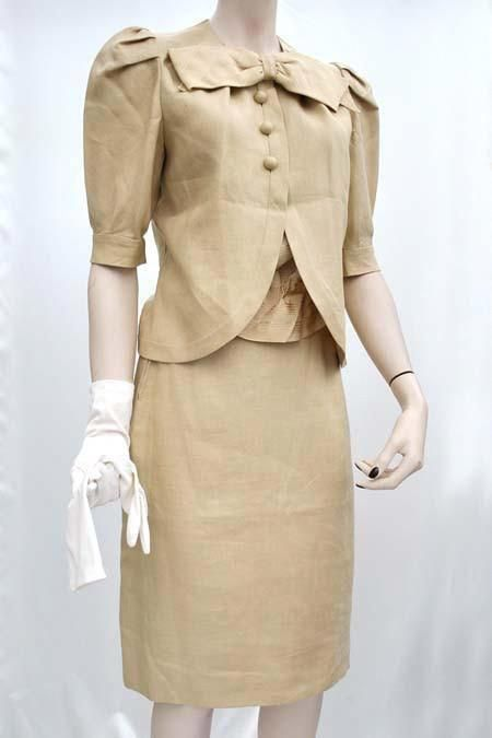 41c19793b3 Women's #vintage 80s Beige Linen Suit #couture Made at #valentino Studio –  Top Notch Vintage