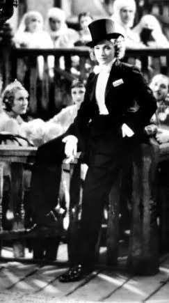 Recuerdos Del Pasado La Dietrich Un Espectaculo Para El Mundo Hermoso Rostro Dolores Del Rio Glamur