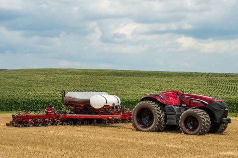 Quand la robotique rencontre l'agriculture, cela crée un tracteur autonome à l'aspect particulièrement intimidant… Présenté par CNH Industrial lors du salon Farm Progress 2016 dans l'Iowa, le monstre abrite 419 chevaux et atteint une vitesse maximum de 31 km.