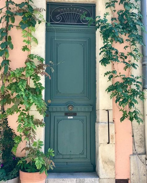 Portes quartier des arènes #sansfiltre #sansfiltres #nofilter #nofilters #porte #portes #door #doors nofilter pins  Portes quartier des arènes #sansfiltre #sansfiltres #nofilter #nofilters #porte #portes #door #doors #doorstagram #arles #provence #doorlovers #doorlover #doorslover #doorslovers