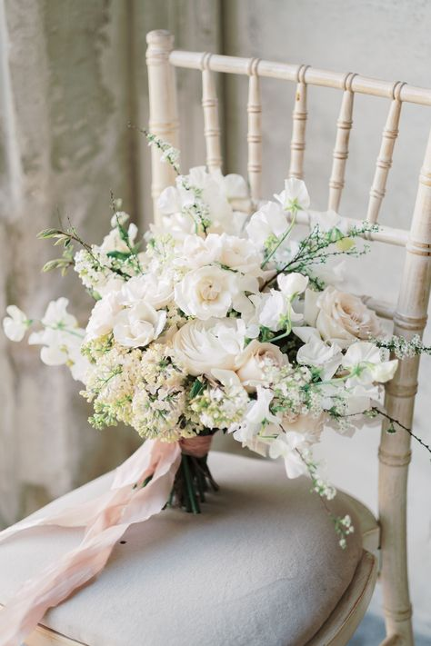 Soft, ethereal and romantic white and pink bridal bouquet with cherry blossom Silk Bridal Bouquet, Peony Bouquet Wedding, White Wedding Bouquets, Pink Bouquet, Bride Bouquets, Bridal Flowers, Bridesmaid Bouquet, Vintage Bridal Bouquet, Vestidos