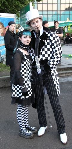 Meet Goth, Punk & Emo personals in your area, join us for
