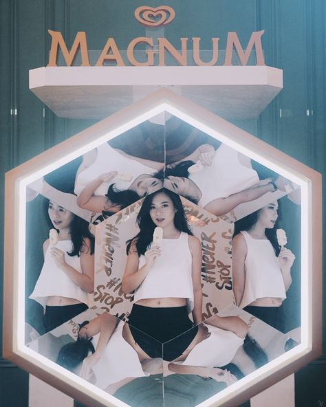 Magnum White Almond Party