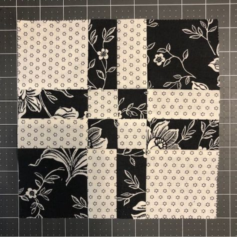 Quilting Magic: Tricks for Disappearing Blocks - Quilting Magic: Tricks for Disappearing Blocks Quilt Square Patterns, Patchwork Quilt Patterns, Beginner Quilt Patterns, Scrappy Quilts, Quilt Patterns Free, Easy Quilts, Quilt Tutorials, Square Quilt, Bed Quilts