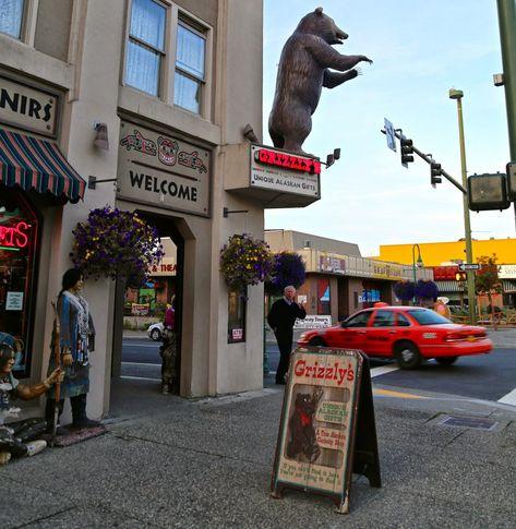Grizzlys in Anchorage, Alaska