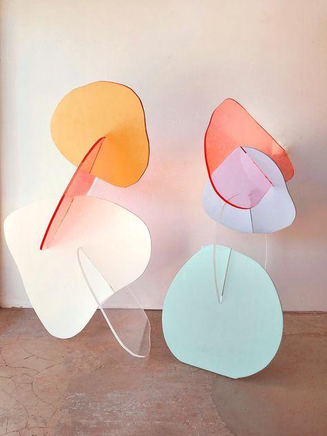 Colorful, refined color palette for interior design idea and inspiration Design Blog, Design Art, Palette Design, Wow Art, Paperclay, Jolie Photo, Wood Sculpture, Geometric Sculpture, Display Design