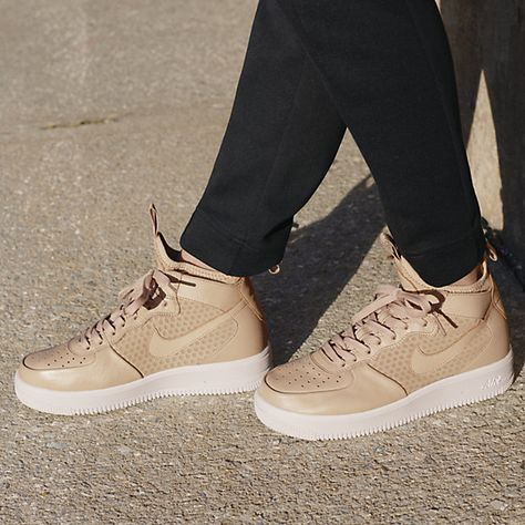 Nike Air Force 1 Ultraforce Mid Top W shoes beige