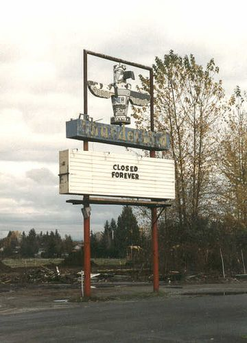 Closed Forever Drive In Movie Theater Drive In Movie Marysville