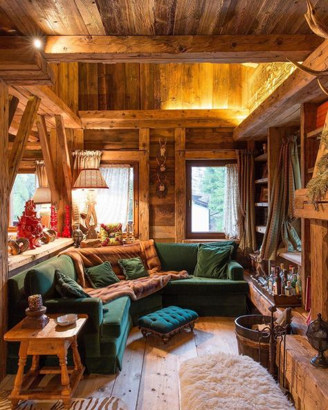 Many small log cabin homes are highly decorative with excellent finishes. You could easily design a log home yourself and you could go from there, but it's a good… Continue Reading → Rustic Cabin Kitchens, Rustic Kitchen Design, Rustic Cabin Decor, Small Log Cabin, Log Cabin Homes, Barn Homes, Madeira Natural, Cozy House, Cozy Cabin