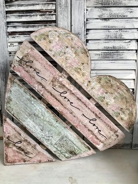 Items similar to Pink Shabby Chic Decoupaged Wood Heart on Etsy Arte Pallet, Pallet Art, Valentine Decorations, Valentine Crafts, Diy Wood Projects, Wood Crafts, Rustic Crafts, Pallet Crafts, Decor Crafts