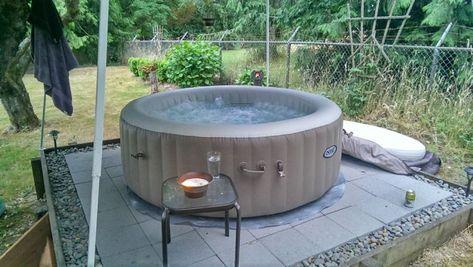 Outdoor Jacuzzi Ideen Um Es Im Garten Zu Platzieren Wohnideen Fur Inspiration Fur Garten Ideen Insp In 2020 Portable Hot Tub Jacuzzi Outdoor Hot Tub Surround