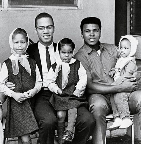 Two legends of the American human rights struggle. Malcolm X, Muhammad Ali and their children. May Allah grant Malik el-Shabbaz jannah, and may He grant Muhammad Ali excellent health. Malcolm X, Black History Facts, Black History Month, History Pics, History Images, Family History, Muhammad Ali, Elijah Muhammad, Black Power