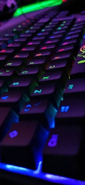 Qwerty Black Keyboard With Red Lights Keyboard Black Wallpaper Wallpaper
