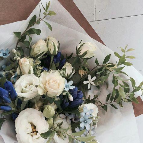 Flower Aesthetic, Nature Aesthetic, My Flower, Flower Basket, Trees To Plant, Planting Flowers, Flower Arrangements, Beautiful Flowers, Floral Wreath