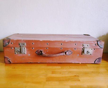 Valise en bois et cuir #vintage #vintagestyle