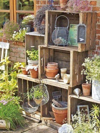Gestalten Sie Ihren Balkon In 10 Schritten Zur Stadt Oase Gartendeko Garten Deko Crates Decor Indoor Garden