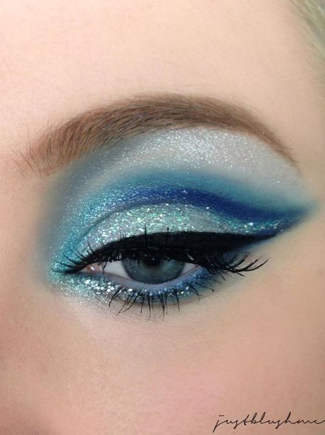 Eye makeup is able to enhance your natural beauty and also make you look dazzling. Discover how to begin using make-up so that you can easily show off your eyes and impress. Learn the top ideas for applying make-up to your eyes. Makeup Inspo, Makeup Inspiration, Makeup Tips, Makeup Ideas, Makeup Tutorials, Nail Ideas, Elsa Makeup Tutorial, Eyeshadow Tutorials, Bad Makeup