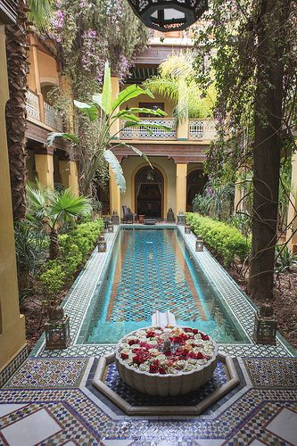 Pepe Nero Restaurant - New Deko Sites Islamic Architecture, Architecture Design, Pool House Decor, Riad Marrakech, Moroccan Design, Tuscan Design, Tuscan Style, Moroccan Style, Spanish Style Homes