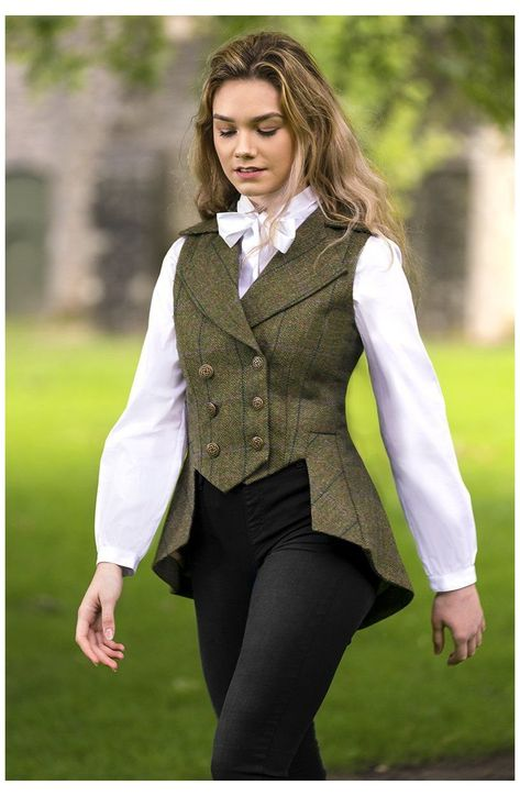 Lady Mary Waistcoat (Galloway Tweed) #vests #for #women Lady Mary Waistcoat (Galloway Tweed) Vest Outfits For Women, Suits For Women, Cute Outfits, Clothes For Women, Fall Outfits, Lady Mary, Jw Moda, Outfits Damen, Mode Vintage