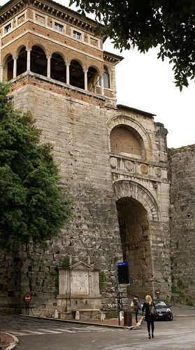 Perugia Piazza Fortebracchio Arco Etrusco Aka Arco Di Augusto