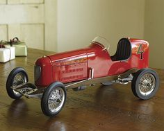The Bantam Midget was one of the fastest model race cars of the 1930s. Known as spindizzies, these vehicles were powered by model airplane engines and raced on circular board tracks-tethered to a central pole-reaching speeds of up to 150 miles per hour.