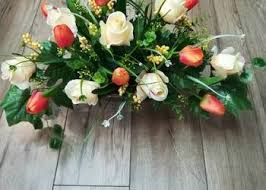 Znalezione Obrazy Dla Zapytania Stroiki Wielkanocne Na Cmentarz Allegro Floral Wreath Floral Wreaths