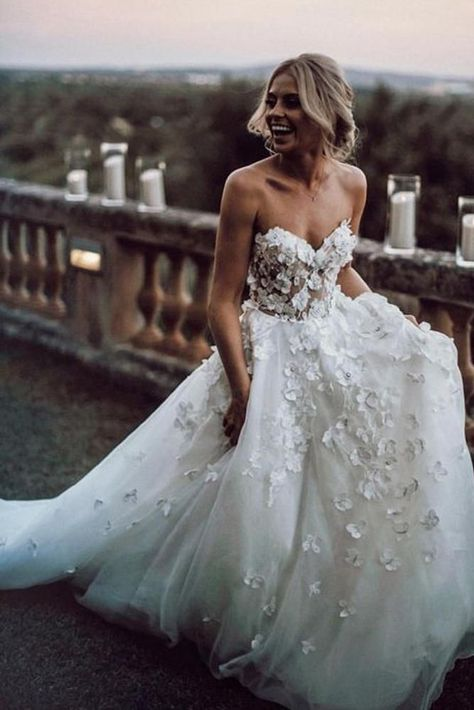 Floral wedding dress gowns, Wedding dresses, Applique wedding dress, Dream wedding dresses, Tulle wedding dress, Beautiful wedding dresses - Gorgeous Ball Gown Sweetheart White Tulle Strapless Lace We -  #Floralwedding #dressgowns