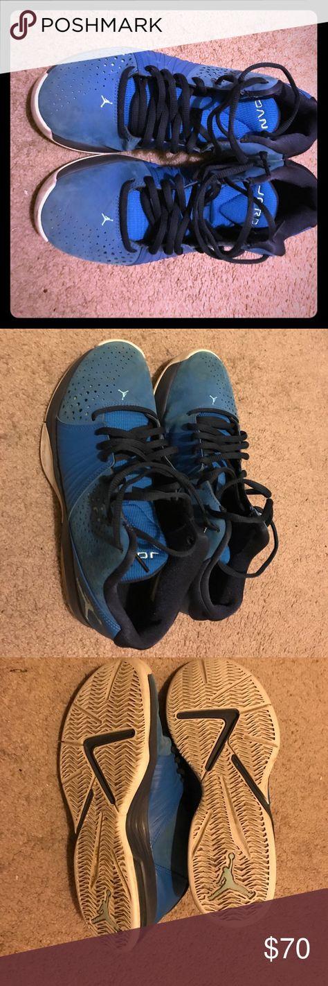 3b3c208c1d0924 Royal blue Michael Jordan men s sz 9 Royal blue men s sz 9 suede like gym  shoe with dark blue trim and shoe strings white soles and light green  background.