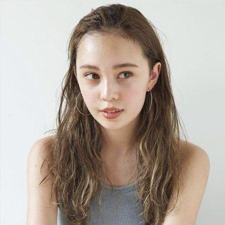 前髪なし おすすめ人気ロングヘアスタイル 髪型4選 似合う前髪