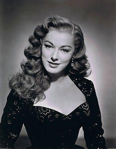 Wwv Hairstylestrends Me Vintage Hairstyles For Long Hair 1940s Hairstyles For Long Hair Hair Styles