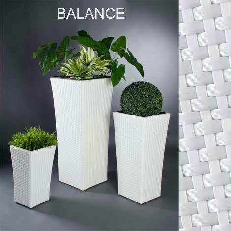 Blumenkuebel-Balance-Polyrattan-weiss   Black & White - in Haus ...