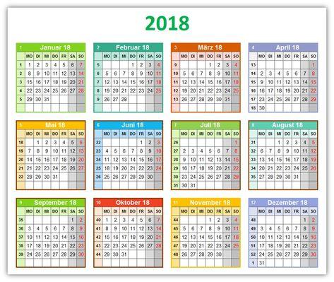 Die Kalendervorlage Bunter Jahreskalender Mit Platz Fur Notizen Zeigt Auf Einer Seite Alle 12 Monate Eines J Jahreskalender Kalender Vorlagen