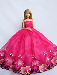 Barbie robe rouge 2015
